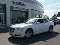 2011 Chrysler 300 TOURING - ACCIDENT-FREE - ONE-OWNER - CLICK FO