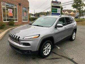 2016 Jeep Cherokee North 4x4 - V6. Leather Seats, Power Liftgate
