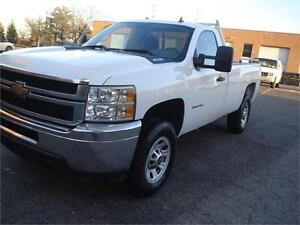 2011 Chevrolet Silverado 3500HD,4X4,POWER TAIL GATE,LONG BOX