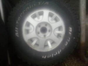 two 30 in x9.5 x 15 tires on blazer rims
