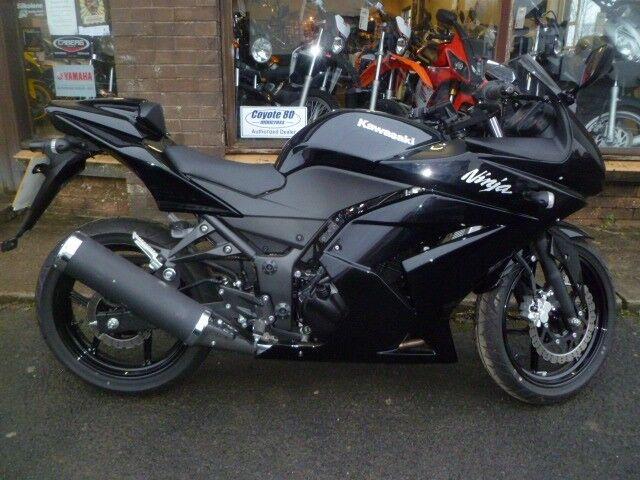 Beautiful Spark Black Metallic Kawasaki Ninja 250r Best Colour For
