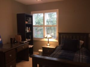 ROOM CLOSE TO UTM / HUMBER - SHOWINGS TODAY!