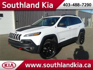 2016 Jeep Cherokee 4x4 TRAILHAWK  **LEATHER-NAV-SUNROOF**