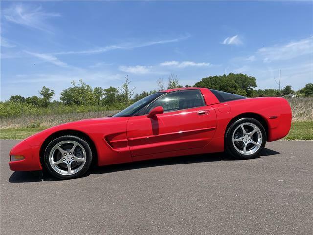 2000 Red Chevrolet Corvette Coupe  | C5 Corvette Photo 5