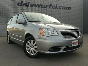 2013 Chrysler Town & Country Touring | SUNROOF | DVD | NAV |