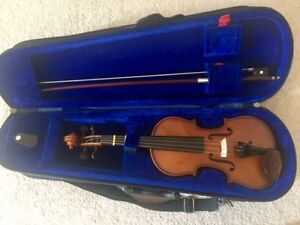 Stentor Child's Violin - 1/10 size (with bow & chin rest)