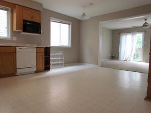 Upstairs room in south end home - $525 all inclusive