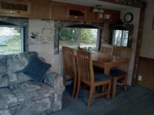 Topaz Triple E touring edition 5th wheel Prince George British Columbia image 1