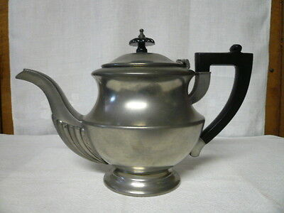 Vintage Antique English England Lunt Silversmith Pewter Teapot