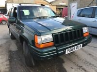 Jeep Grand Cherokee, starts and drives well, MOT until 3rd September, black leather interior, car lo