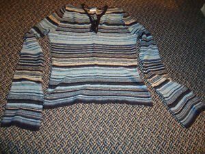 Ladies Size XL Very Lightweight Stripped Long Sleeve Sweater