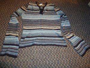 Ladies Size XL Very Lightweight Stripped Long Sleeve Sweater Kingston Kingston Area image 1
