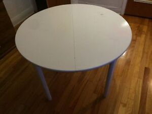table a diner blanche / white dinning table