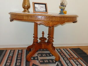 table d'appoint ovale antique