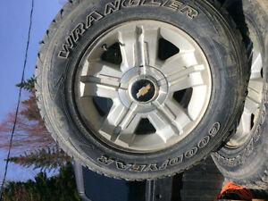 pneu d'hiver tire et mag 265 65 18 même chose que LT 245 70 17