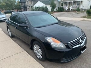 Very good condition 2009 Black Nissan Altima for sale!