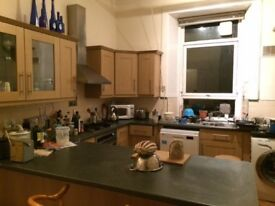 Double Bedroom in Marchmont Available 2.04.18 Onwards