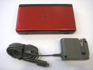 Nintendo DS Lite avec jeux/files et pochette