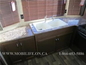 **HUGE FRONT KITCHEN**COUPLES PARK MODEL FOR SALE **CLEARANCE** Kitchener / Waterloo Kitchener Area image 5