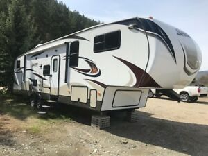 2014 Keystone Sprinter 5th wheel Widebody