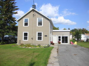 COMPLETELY RENOVATED HOME IN TWEED! MOVE IN READY!