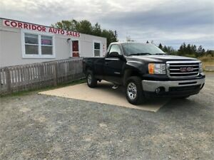 2013 GMC SIERRA (FINANCING AVAILABLE!)