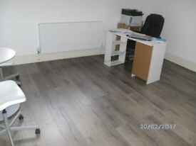 TWO BEDROOM FLAT WITH BACKGARDENTO RENT