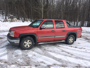 2005 Chevy Avalanche - Sell/trade