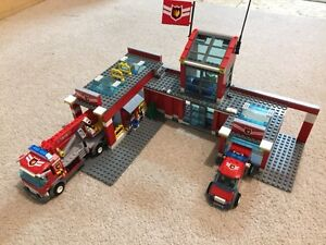 Lego City Fire Station and Fire Truck and Fire Boat Kitchener / Waterloo Kitchener Area image 1