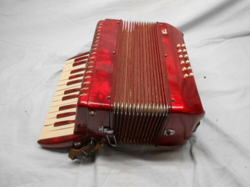 Working Vintage Titano Student Accordion With Case