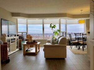 Upscale luxury condo in a highly desirable building!