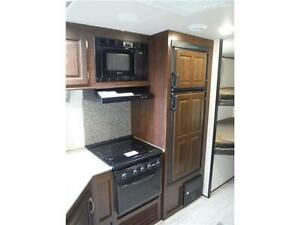 2017 Solaire 240BHS Travel Trailer w Bunkbeds & O/S kitchen Stratford Kitchener Area image 9