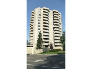 Deluxe 2 Bedroom Condo: 1003-1139 Queen St East, SSM