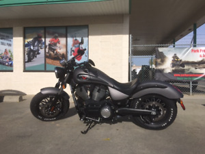 LIKE NEW 2015 Victory Gunner motocycle for only $89 bi-weekly!!