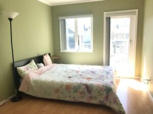 2 bedroom 2 bathroom apartment in Kitsilano(female preferred)