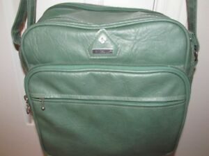 VINTAGE LUGGAGE - SAMSONITE LEATHER SHOULDER BAG