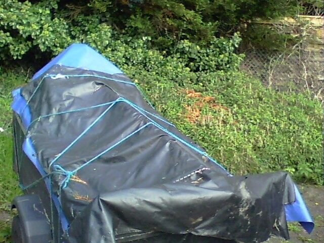 trailer approx 5x4