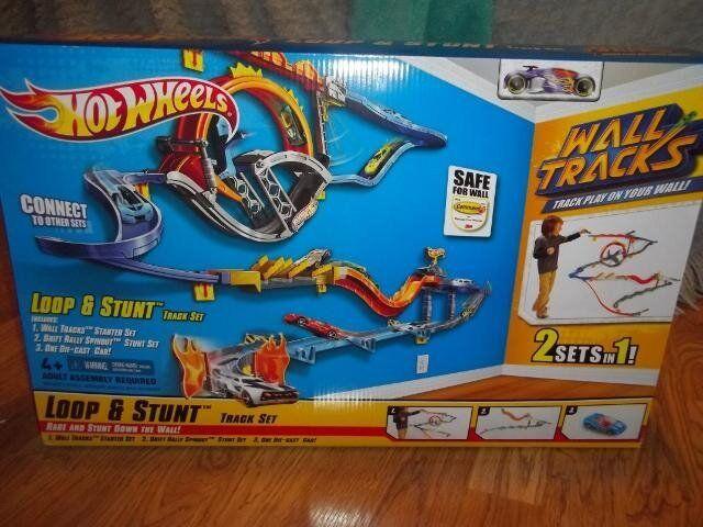 Hot wheels loop and stunt track £12 rrp £50