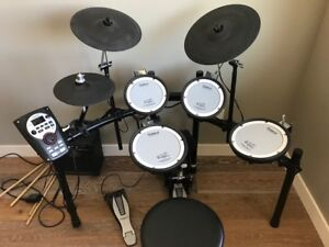 Roland TD-11 Compact Drum Kit with Stand