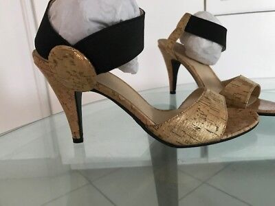Special Ocassion Shoes (Women Shoes - Gold/Black - Size 8 - Special)