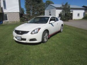 2010 Nissan Altima coupe full load