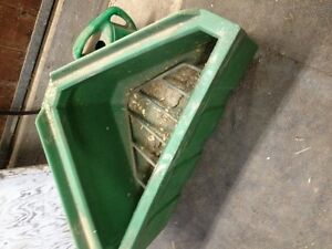 Mangoire pour foin tremper chevaux Horse Hay feeder for soaking