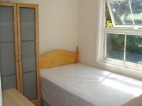 Well presented studio flat located in Osterley/short walk from Osterley Tube/All Bills are Included