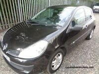 RENAULT CLIO 2006 1.2 3 DOOR BLACK 51,000 MILES SERVICE HISTORY M.O.T 29/06/18 ONE PREVIOUS OWNER