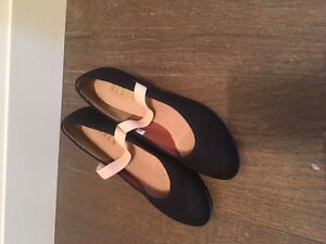 character shoes Excellent condition  Size 1G
