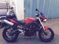 Triumph Street Triple 2010, Red, Great Condition, 11,600 miles. Well looked after.