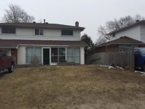 Perfectly located 2 BDRM lower unit in Midland utilities include