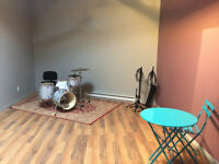 Local a Partarger/ Studio Rehearsal/Jam Space for Share