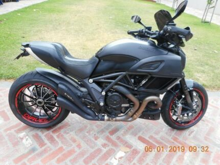2016 Ducati Diavel Carbon 1200cc Cruiser 1198cc Motorcycles