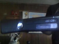 XBOX 360 , 30 GB key, 1 controler, 4 games
